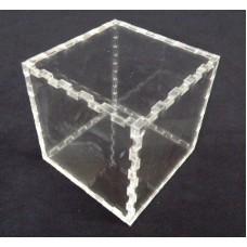 Κουτί για μπομπονιέρα 7Χ7Χ7 με καπάκι από Plexiglass-Πλεξιγκλας