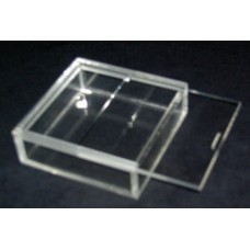 Κύβος – Κουτί για μπομπονιέρα 10 Χ 10 Χ 3 με καπάκι από Plexiglass-Πλεξιγκλας