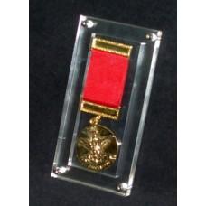 ΕΠ-02 Μετάλλιο εγκιβωτισμένο σε Πλεξιγκλας (Plexiglass)